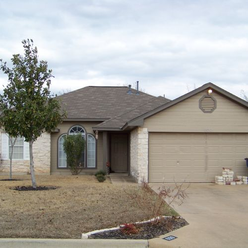 Leander, Tx ---   Installed new roof. GAF 3-tab 25 year shingle Call me at: 325-379-1476