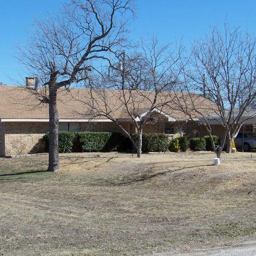 Kingsland, Tx ---     Installed new roof. GAF 25 year shingles. Color- Golden Cedar