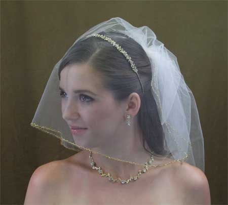 Tiaras, headpieces and veil at a fraction of the cost what you'll find elsewhere.
