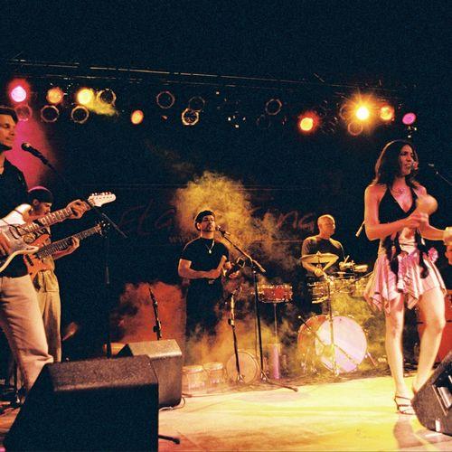 Eta Carina - Latin music - salsa, merengue, bolero, bachata, son, Latin rock - 2-12 pc. group.