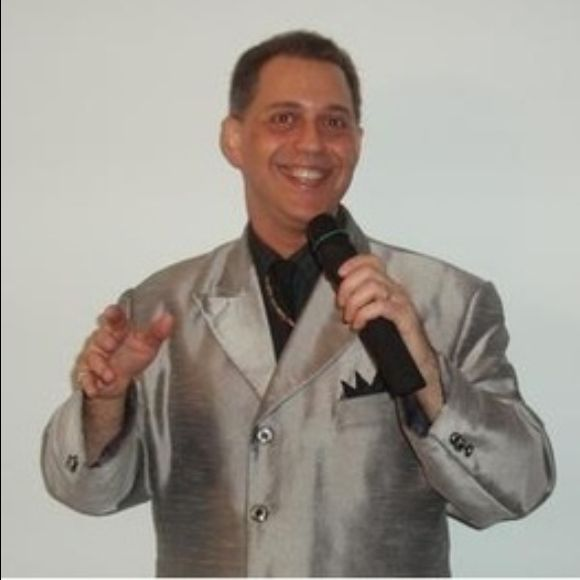 Arlen Mathewz - The Man of 100 Voices