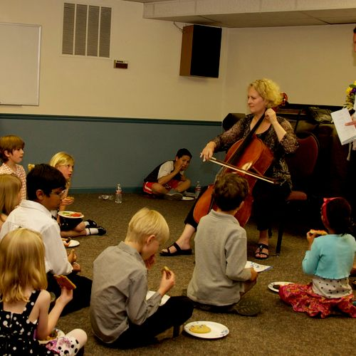 At every recital, we invite a guest musician to introduce a new instrument to the students.  This past spring we are grateful to have had Carla on the cello!