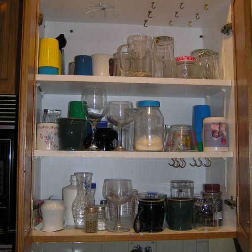 Kitchen Cabinet - Before