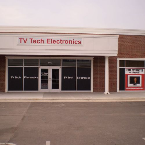 Located in the new Gates Plaza shopping center at the cornor of Tracy Avenue & Emanuel Cleaver II Blvd (47th Street).