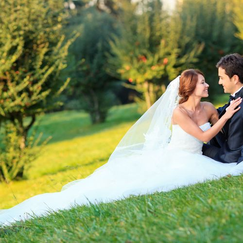 Spring and early summer are wonderful times for outdoor weddings and events.