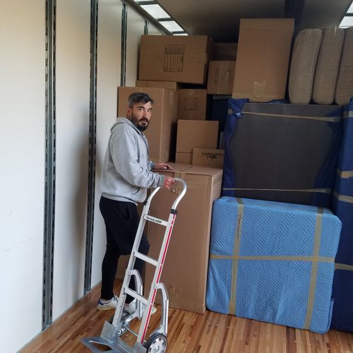 Moving is Easy truck loading