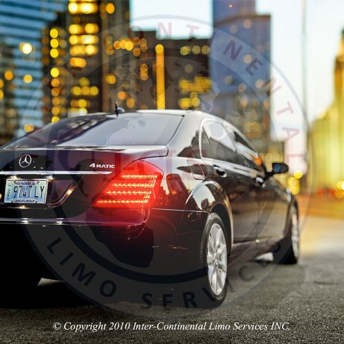 Mercedes limo Chicago. http://www.i-cls.com/thebestofchicagolimousines.html