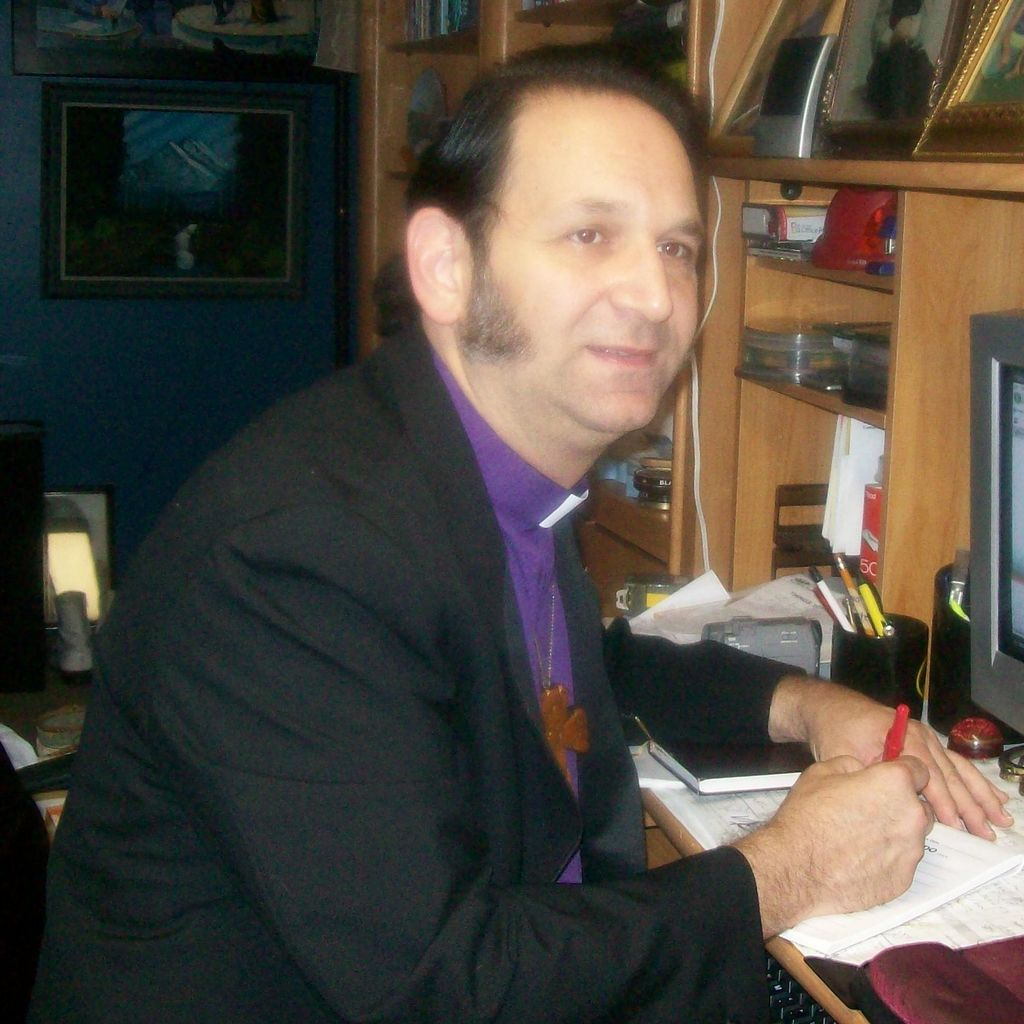 Rev. Johnny Erato, English/Spanish/Bilingual
