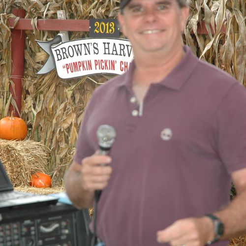 """Outdoor Event Music, MC, and entertainment. :""""Halloween & Harvest Trivia"""" at Brown's Harvest, Windsor, CT"""