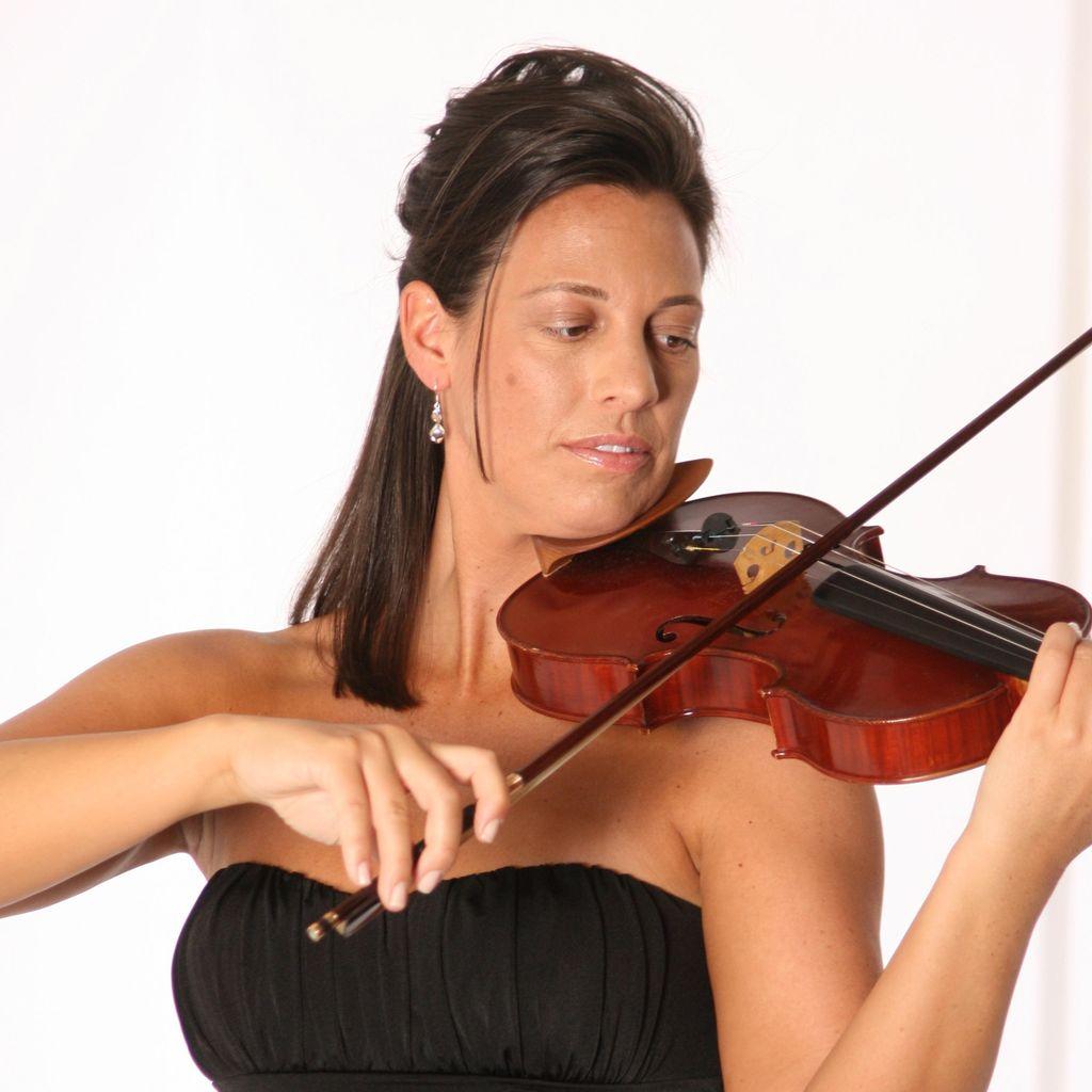 Brooksley Bishop Violinist