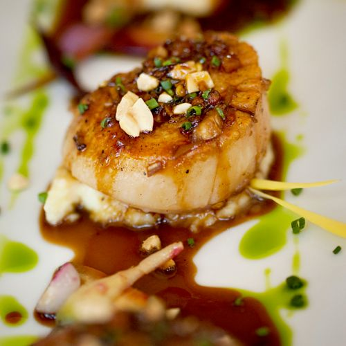 Diver Sea Scallop with Pome puree and Szechuan sauce