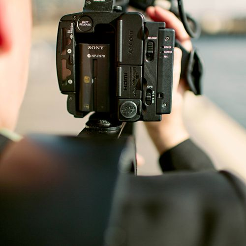 The NX5u offers added peace of mind knowing that your footage is simultaneously being recorded onto SDHC and Flash media...instant backup!