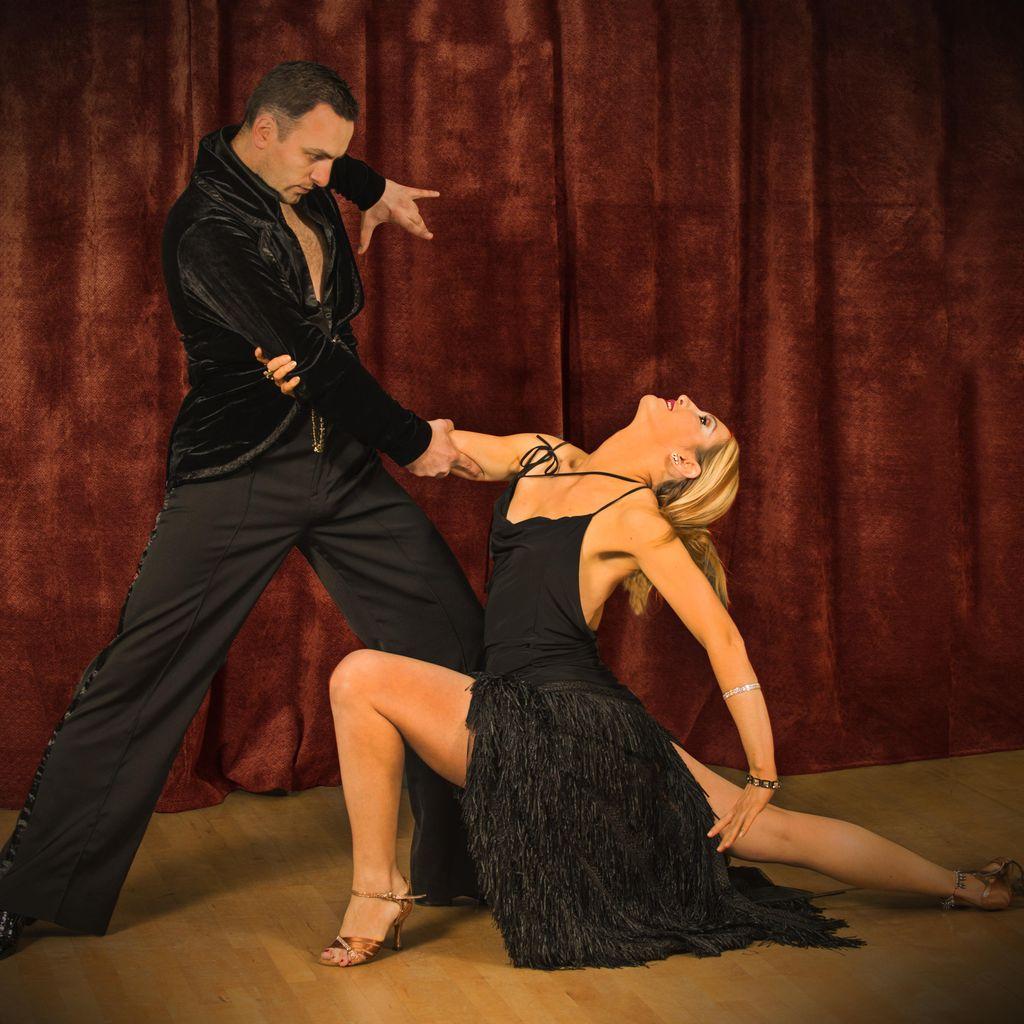 Vocal coach, Ballroom and latin dances instructor