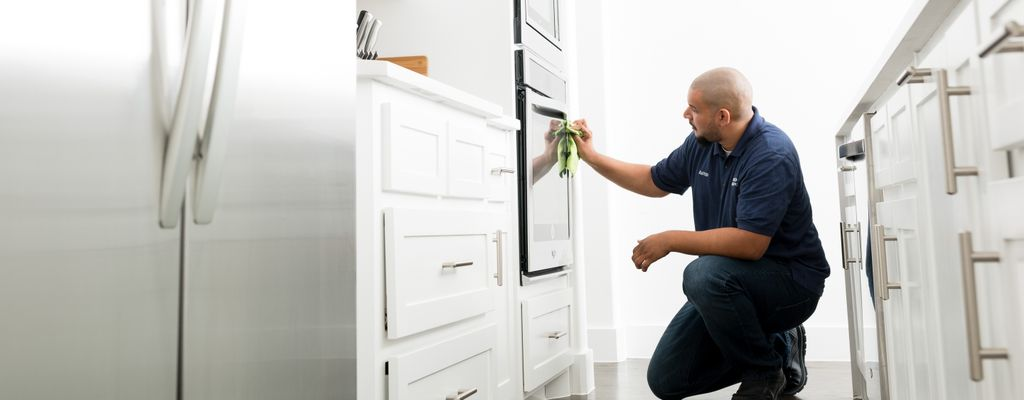 Find a detailed house cleaner near Clearwater, FL