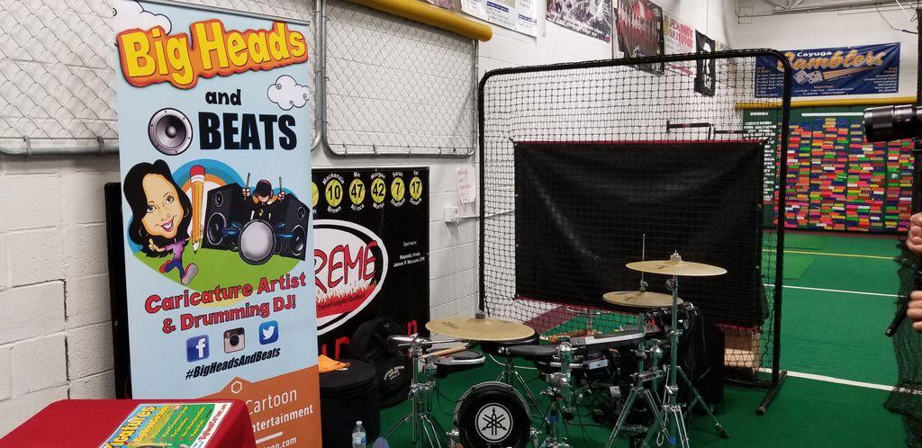 Caricatures & Drumming DJ