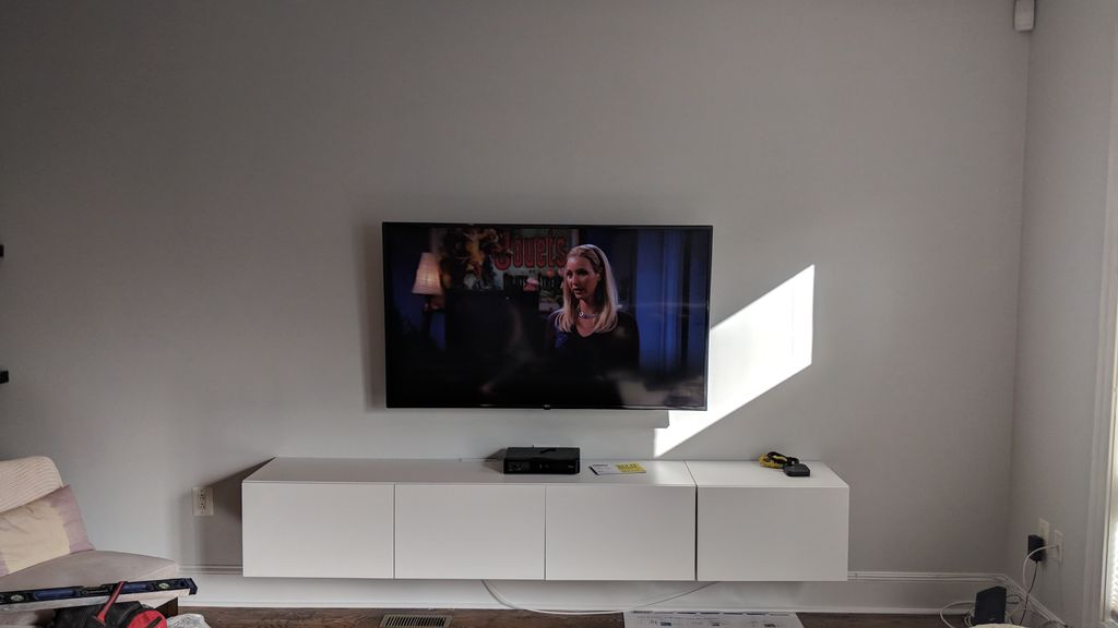 Simple TV Mounting
