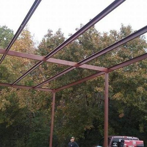 Steel erecting