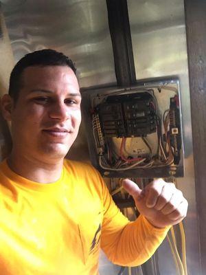 Avatar for Ángel Electric ⚡️⚡️ Largo, FL Thumbtack