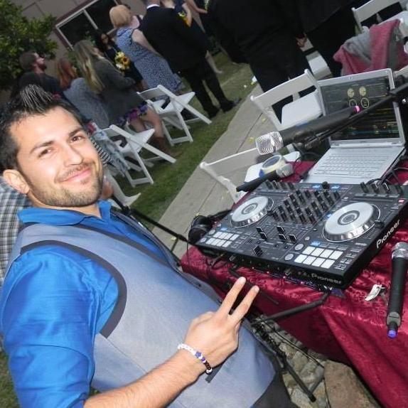 DJ Dan Utica Services