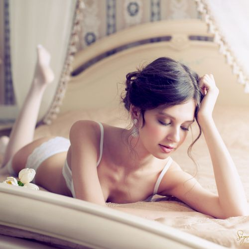 On Location Glamour Boudoir Session Client Home