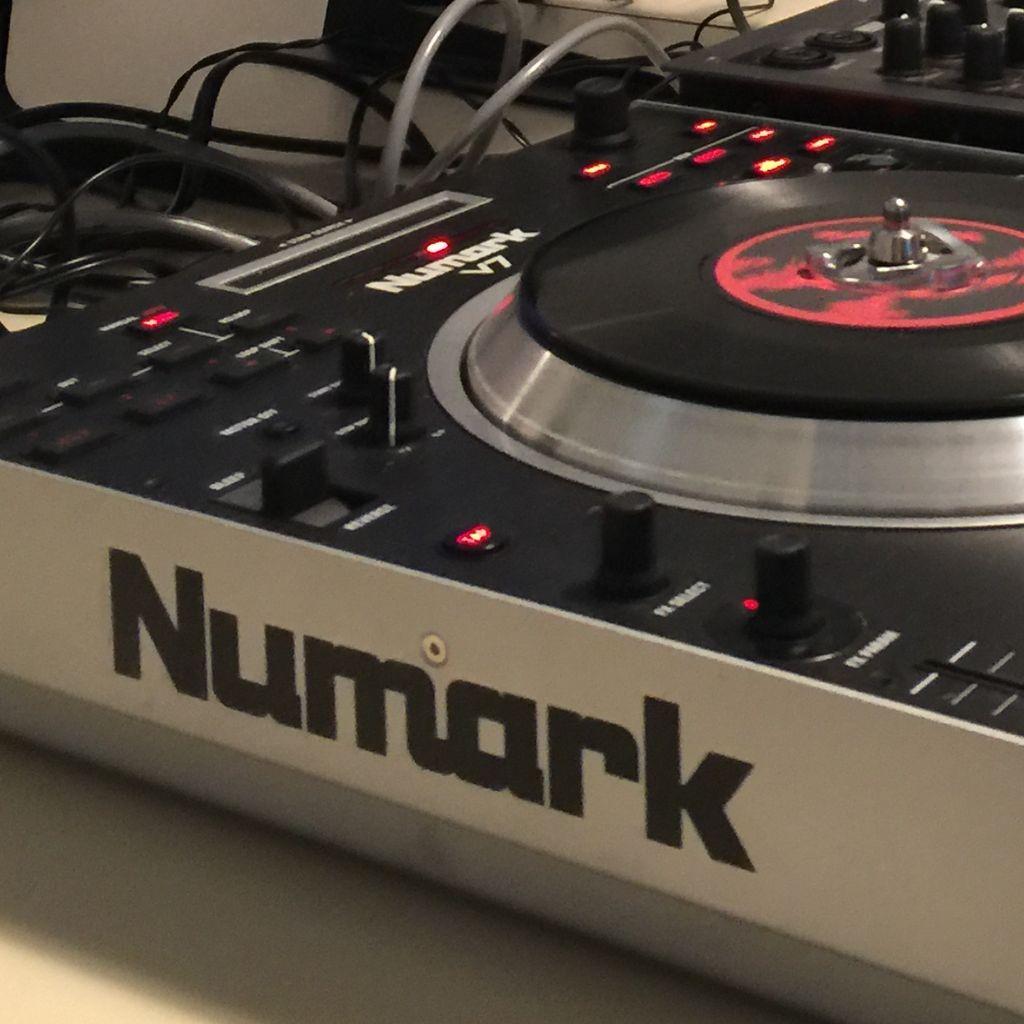 DJ AC