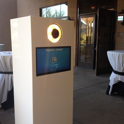 Our photo booth is equipped with a touch screen monitor, a DSLR camera, and ring flash. This mean you will get high quality pictures that can be uploaded to social media and shared with all of your friends.