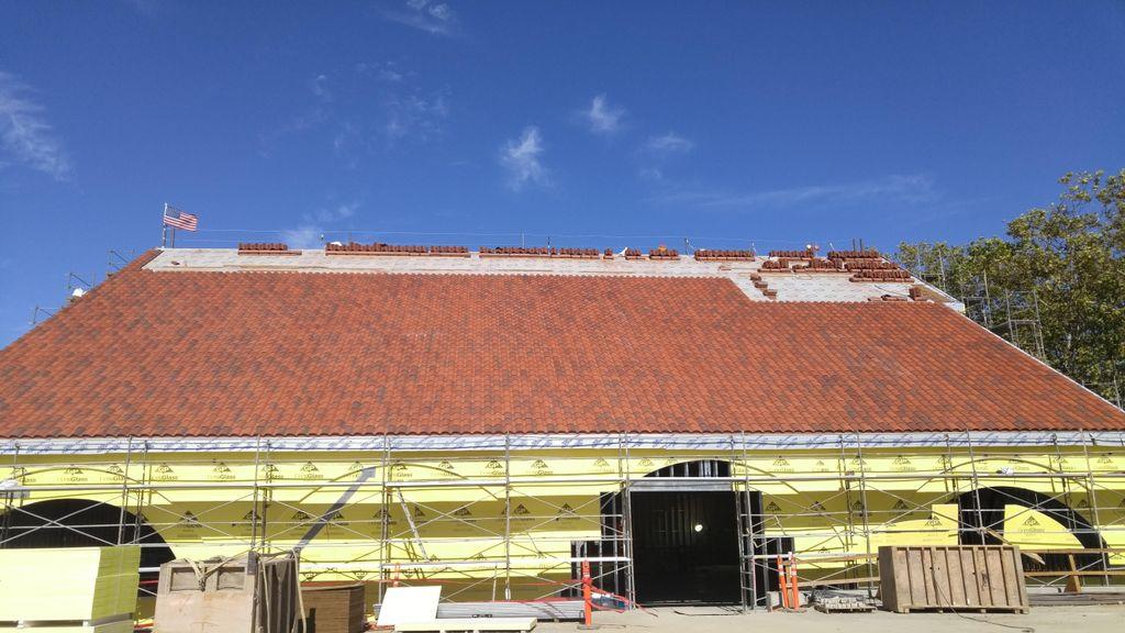Lozano Roofing Services