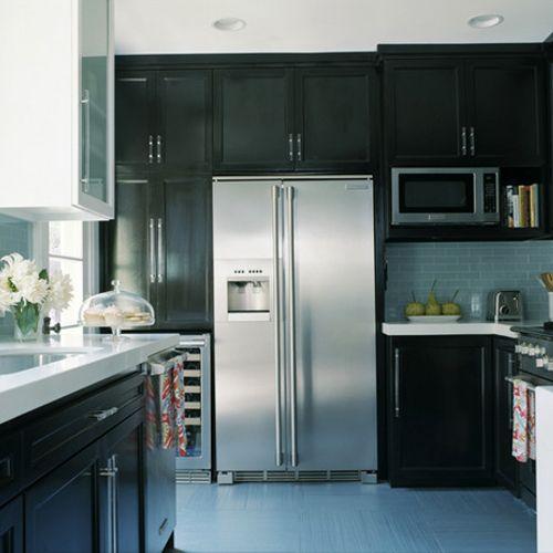 Dark cabinets w/white Quartz