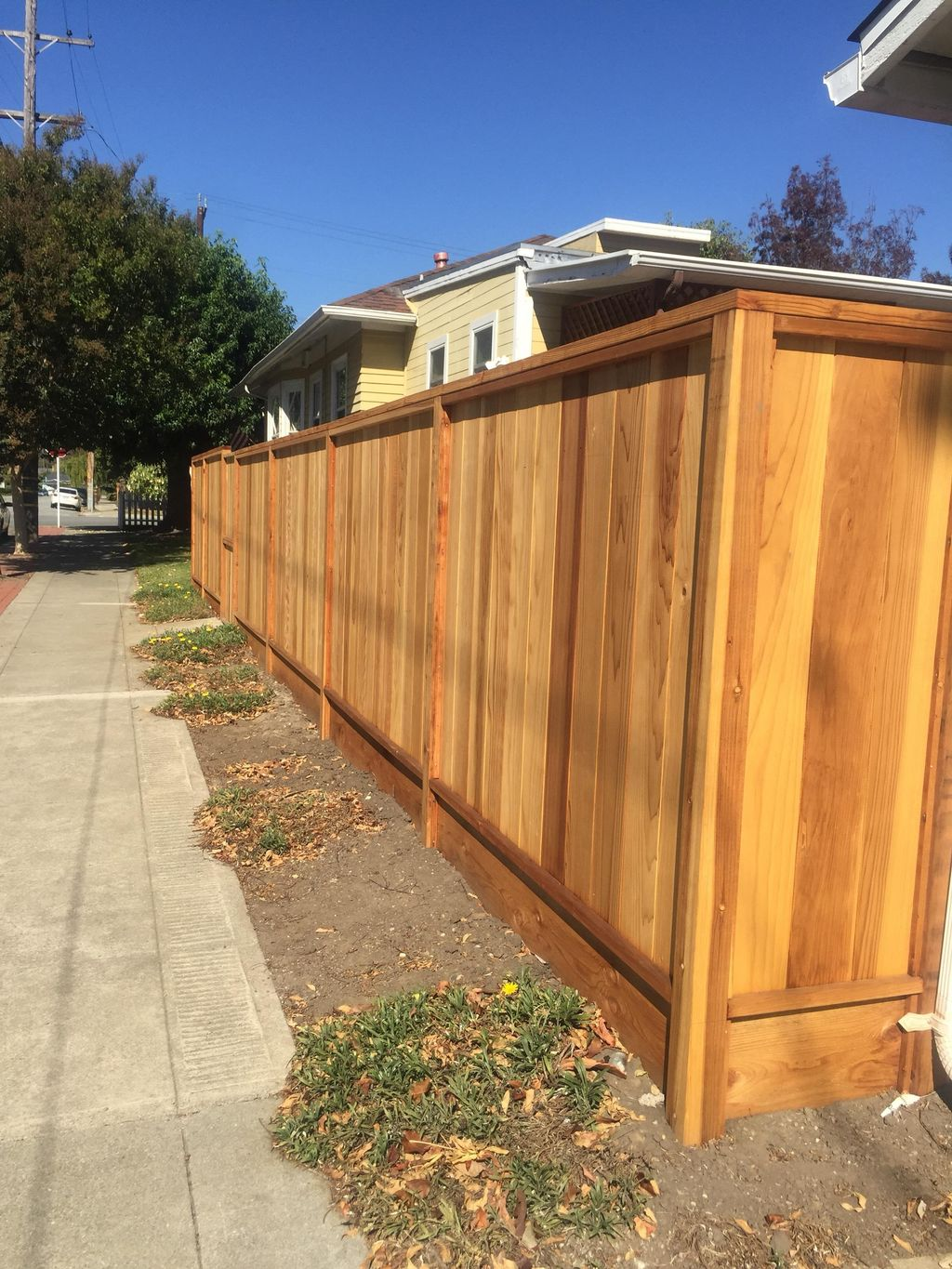ALLIED BAY FENCING CO. Commercial-Residential