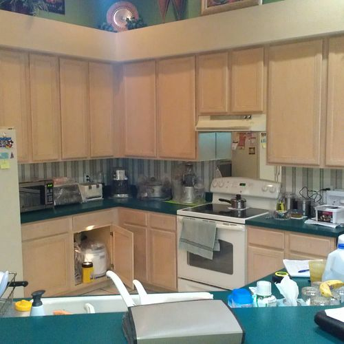 Refinish kitchen. BEFORE