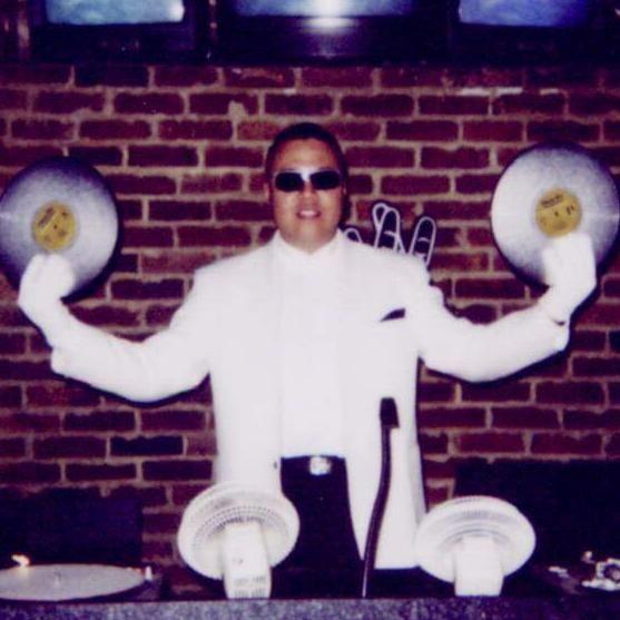 Maximus Multimedia DJ Services