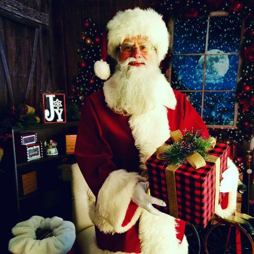 Santa 2017 Season: Ready to Deliver Gifts to You!