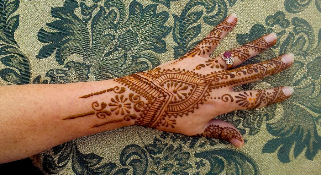 Henna Happens