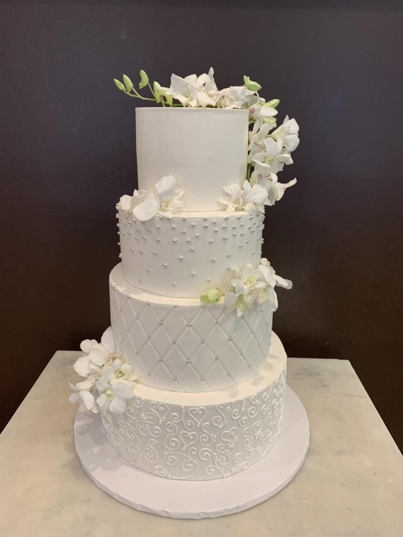 Chef Denise Cake Designer