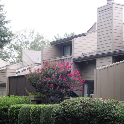 Riverplace Townhomes off Chattahoochee River on Columns Dr.  Remodeled with new Hardiplank Siding, all new Paint, Gutters & Covers etc.