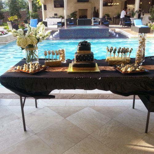 Gorgeous cake table!