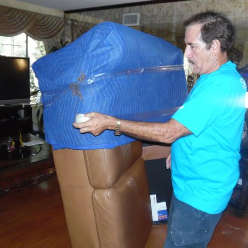 We wrap all your furniture at no extra cost with our heavy duty blankets to ensure they do not get damaged. We don't charge tape use either!
