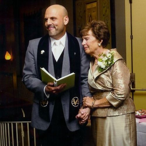 Providing some much needed and welcomed grounding for the mother of the bride at McMenamins Grand Lodge in Oregon.