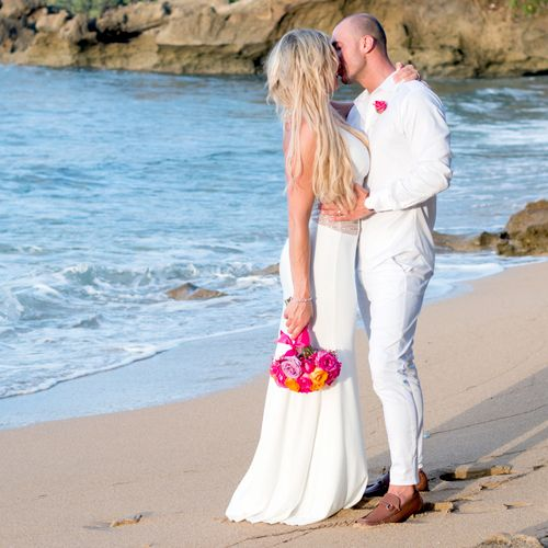 Couples Portait at a Destination Wedding in the Dominican Republic