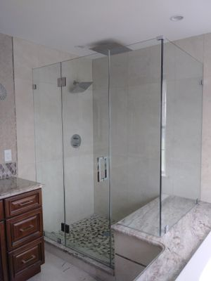 Avatar for deco glass and shower doors