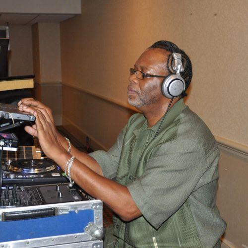 DJ EZG in Action
