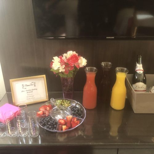 Mimosa Bar from our Bubbly Beginning Package 🌼
