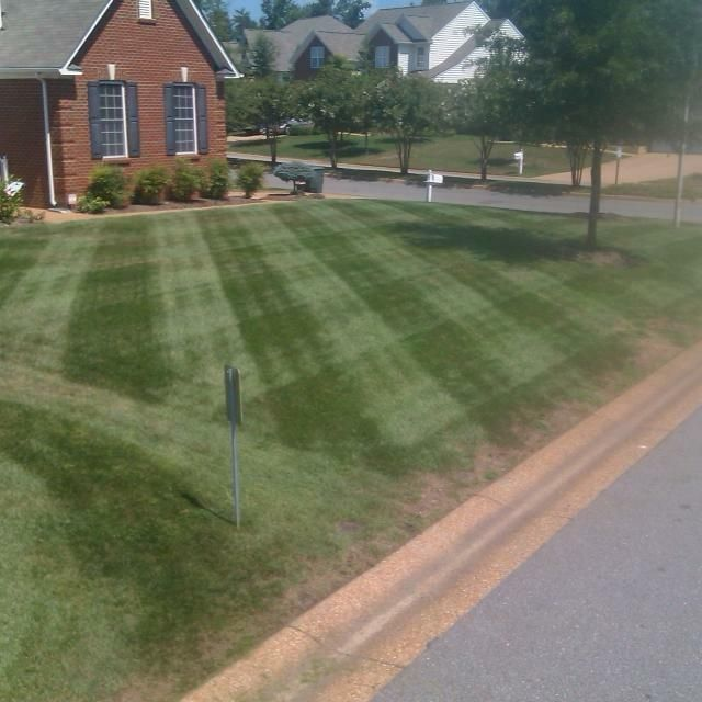 Razors Edge Lawn Care LLC