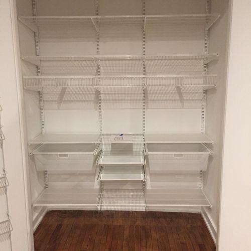 Kitchen pantry shelving system