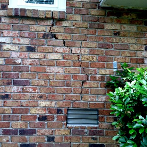 This home has Fractured/Cracked brick.