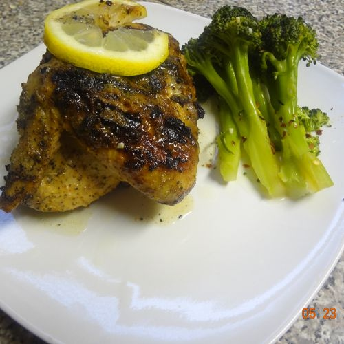 Grilled chicken with lemon glaze