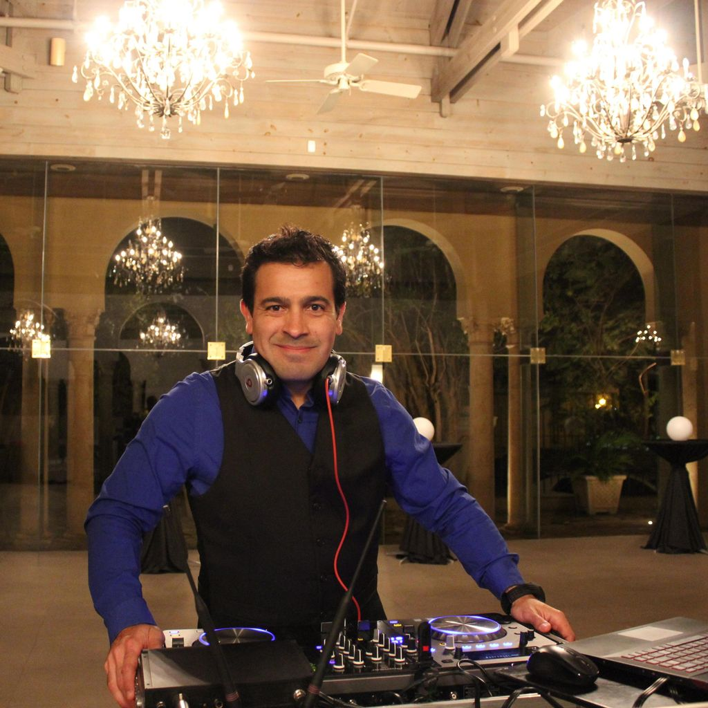 The Housemixer Leo D