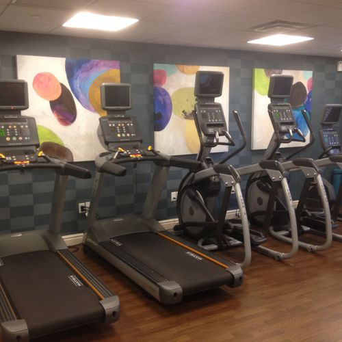Residence Inn fitness room - security mounts