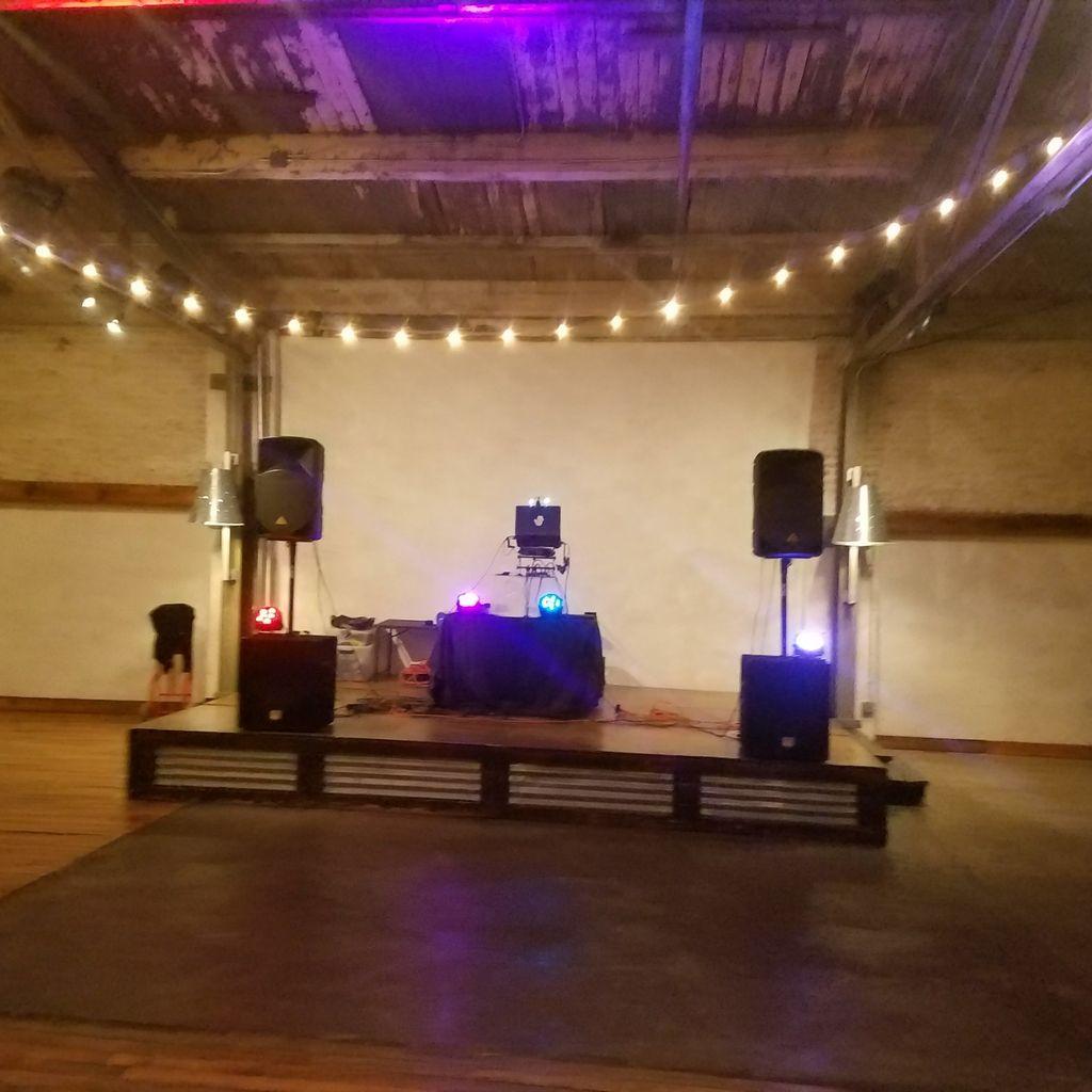 DJ Yella  dj entertainment service.