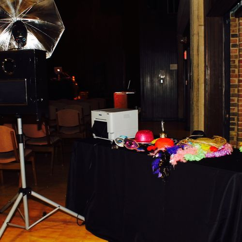 We customize our photo booth props to fit your event & theme.